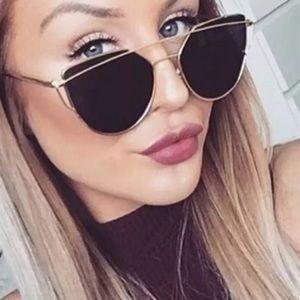 Accessories - 🆕 Cat Eye Mirrored Aviator Sunglasses
